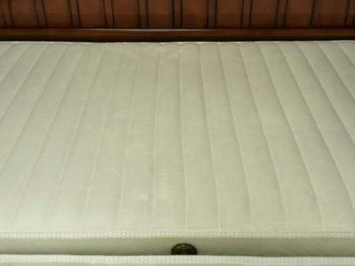 薄硬弹簧床垫